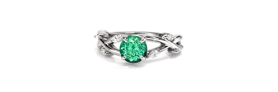 Emerald-Ring Unique Engagement Rings
