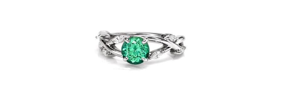 Emerald-Ring Unique Engagement Rings