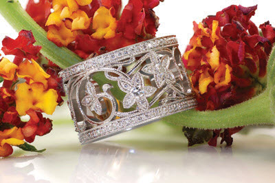 Unique Wedding Bands and Unique Wedding Rings at Knox Jewelers. Diamond wedding rings at Knox Jewelers.