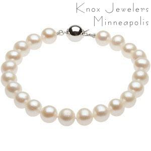 Pearl Bracelet - Best Selling Gifts