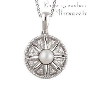 Pearl Star - Pendants